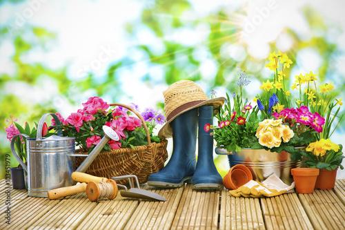 Obraz na płótnie Frühling, Garten, Gartenarbeit, Gartenwerkzeug, Blumen