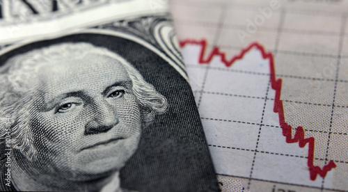 Fotografía  Stock Market Graph next to a 1 dollar bill (showing former president Washington)