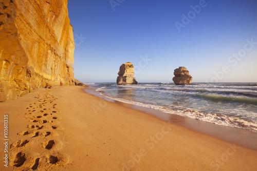 Fotografía  Twelve Apostles on the Great Ocean Road, Australia at sunset