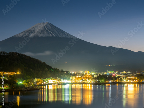 Wall Murals Kyoto Fuji mountain under cloudy sky with lake