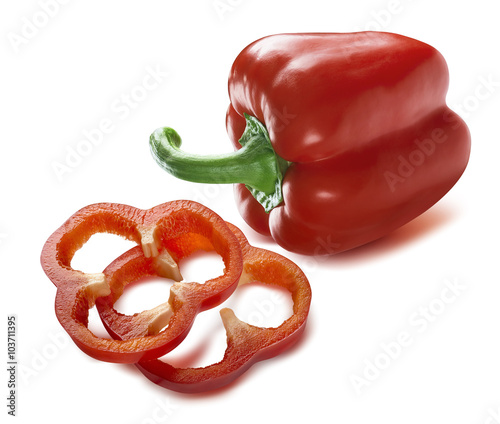 Fotografia Red sweet pepper whole sliced pieces isolated on white