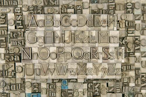Photo  alphabet : lettres majuscules & minuscules A,B,C,D,E,F,G,H,I,J,K,L,M,N,O,P,Q,R,S