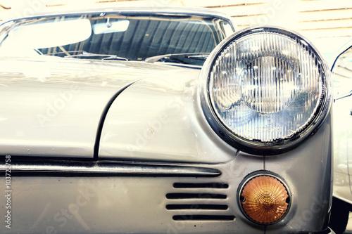 In de dag Vintage cars Close Up of Headlight Lamp Vintage Classic Car. (Vintage Effect Style)