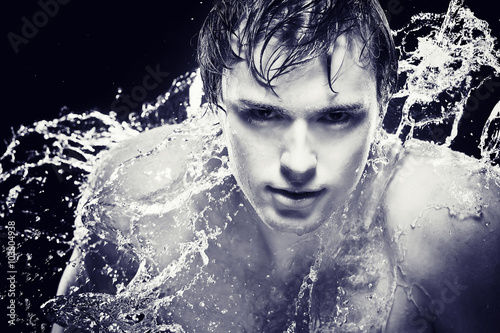 Spoed Foto op Canvas Aquarel Gezicht Strong man in drops of water