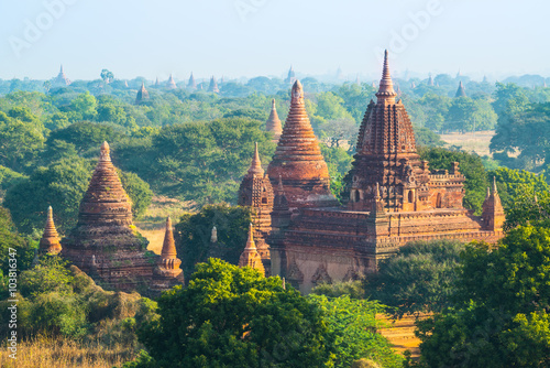 Photo  Bagan - old Pagoda in Bagan city