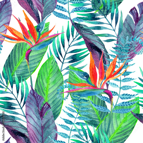 Photo  Tropical leaves seamless pattern. Floral design background.
