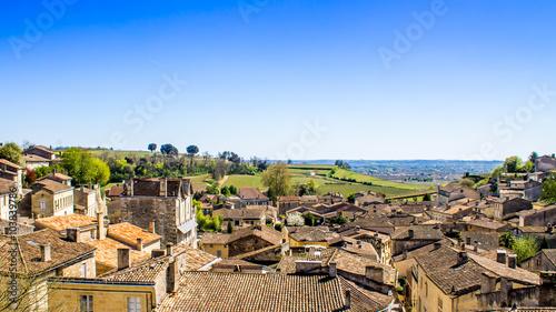 Valokuva panoramic view of Saint-Emilion near Bordeaux, France