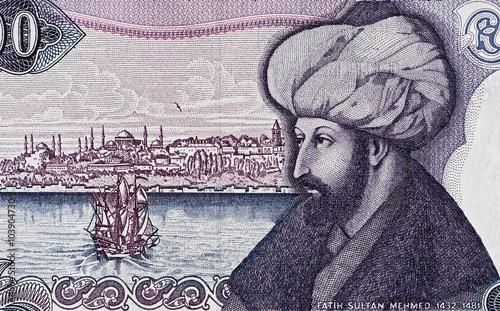 Fotografia  Sultan Mehmed II the Conqueror portrait on turkish 1000 lira banknote macro, Tur