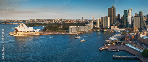 Staande foto Sydney Sydney city skyline and harbour