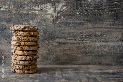 Foto auf Gartenposter Kekse Traditional chocolate chip cookies