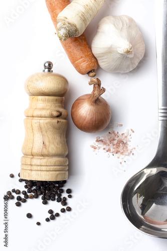 Fotografía  Vegetable soup ingredients on white background