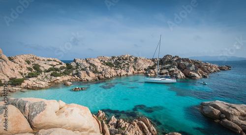 Zatoka jednej z wysp archipelagu La Maddalena - fototapety na wymiar