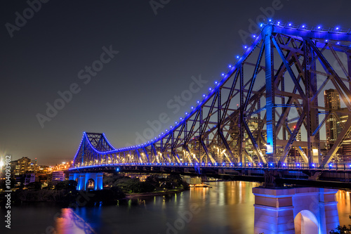 fototapeta na szkło The Story Bridge crossing the Brisbane River in the Queensland city of Brisbane