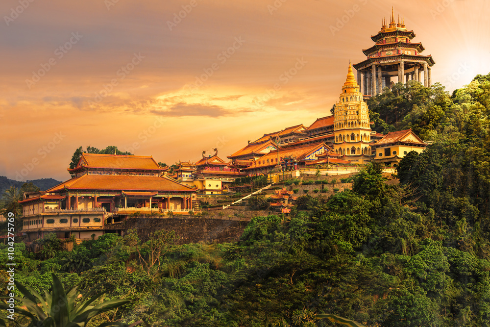 Fototapeta Buddhist temple Kek Lok Si in Penang
