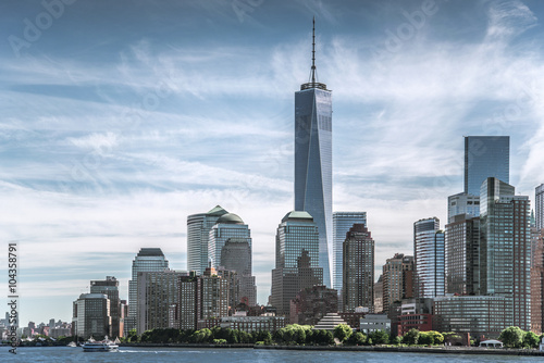 Skyline of lower Manhattan of New York City with World Trade Center плакат