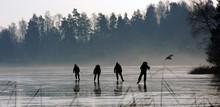 4 Personer åker Långfärdssk...