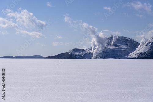 Fotografie, Obraz  厳冬期の硫黄山遠望