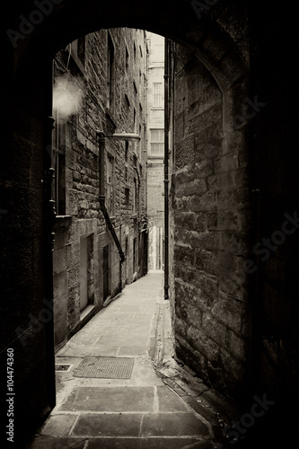 Photo Edinburgh alley sepia