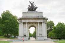 Wellington Arch Or Constitutio...