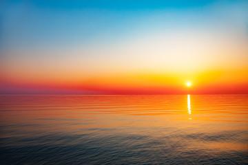 Panel Szklany Wschód / zachód słońca Baltic sea - early morning sunrise over the sea.