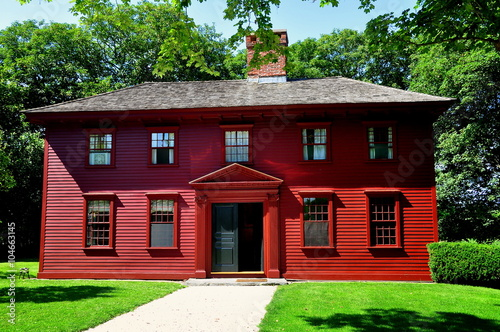 Photo  Middletown, Rhode Island:  Georgian style 1792 Whitehall Museum House, historic
