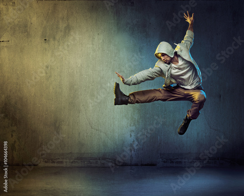 Printed kitchen splashbacks Artist KB Athletic dancer in a jumping pose