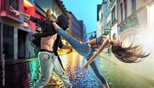 Obrazy na płótnie Canvas Talented guys dancing hip hop