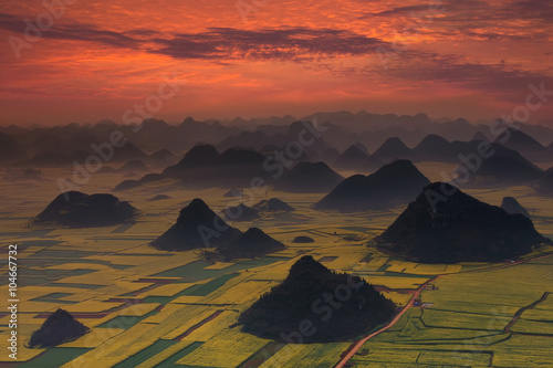 Poster de jardin Brique Sunrise with landscape of China
