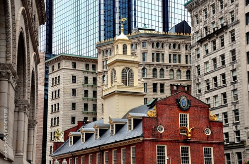 Photo  Boston, Massachusetts - July 13, 2013:  The historic 1713 Old State House at the