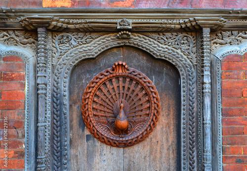 Foto op Aluminium Nepal Detail Pfauenfenster (Replik) in Bhaktapur / Kathmandu-Tal, Nepal