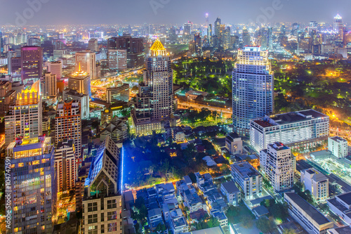 Photo  Bangkok city at colorful nightlife, This is a largest city in Southeast Asia and this is shopping center