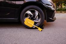 Clamped Vehicle, Wheel Locked