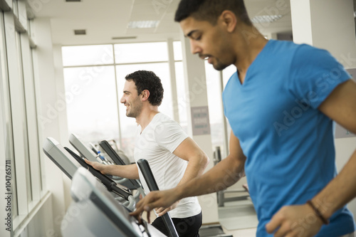 Fototapety, obrazy: Young multiracial men in the gym
