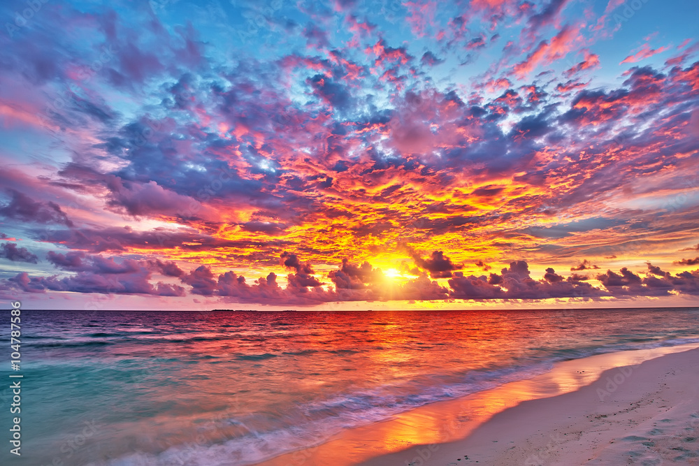 Fototapeta Colorful sunset over ocean on Maldives