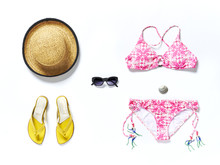 Flatlay Top Reisen Urlaub Bikini Hut