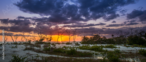 Valokuva  Sunset at Lover's Key Beach Florida