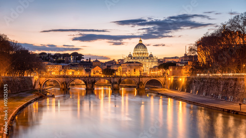 Night view of the Basilica St Peter in Rome, Italy © tichr