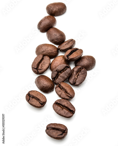 Tuinposter koffiebar roasted coffee beans isolated in white background cutout