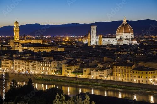 Fotobehang Lavendel Cathedral (Cattedrale di Santa Maria del Fiore) and Palazzo Vecchio, Florence, Italy