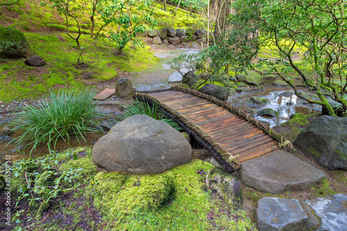 bamboo-foot-bridge-over-creek