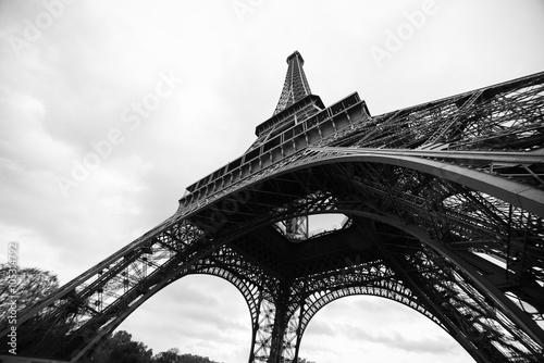 Foto op Aluminium Eiffeltoren Eiffel Tower in black and white