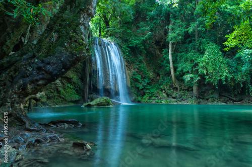 Küchenrückwand aus Glas mit Foto Wasserfalle Breathtaking Green landscape with green waterfall
