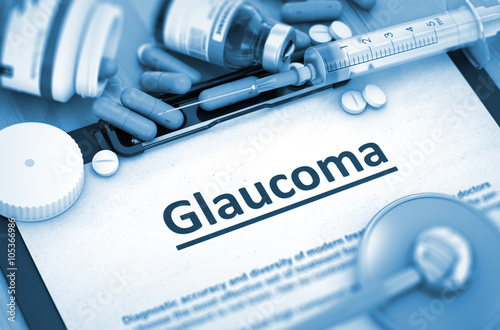Fotografía  Glaucoma - Printed Diagnosis with Blurred Text