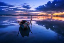 Perfect Calm Lagoon Creates Am...