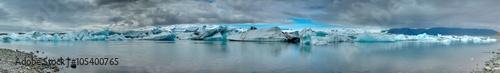 Poster Glaciers Panorama of the Jokulsarlon glaciar lagoon in Iceland
