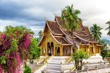 Wat Xieng Thong Temple,Luang P...
