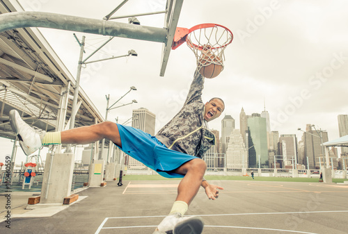 Photo  Professional slum dunks