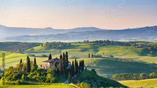 Fotobehang Landschap Beautiful spring landscape in Tuscany, Italy