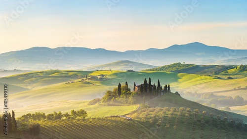 Poster Blanc Beautiful foggy landscape in Tuscany, Italy