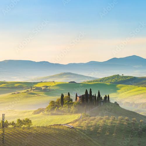 Foto op Plexiglas Toscane Beautiful foggy landscape in Tuscany, Italy